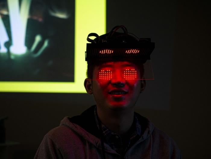 Jerry Li, Emotional Hat Prototype, 2020